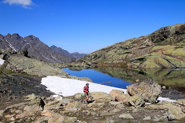 Un des lacs Blanchet avec un peu de neige