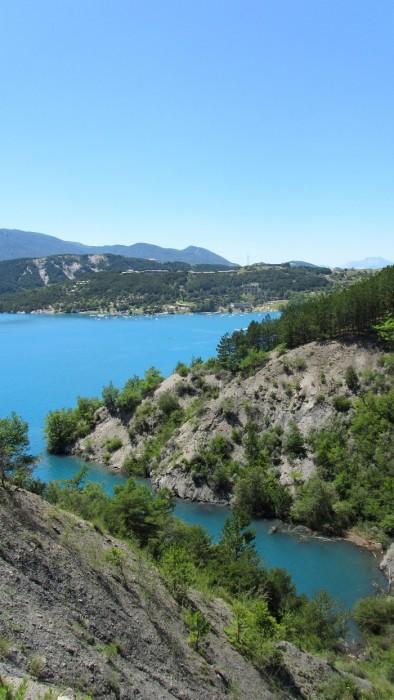 Vue sur le Lac de Serre Ponçon, Alpes de Haute Provence