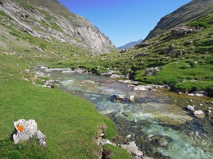 Ruisseau dans le Cirque d'Estaubé, Pyrénées