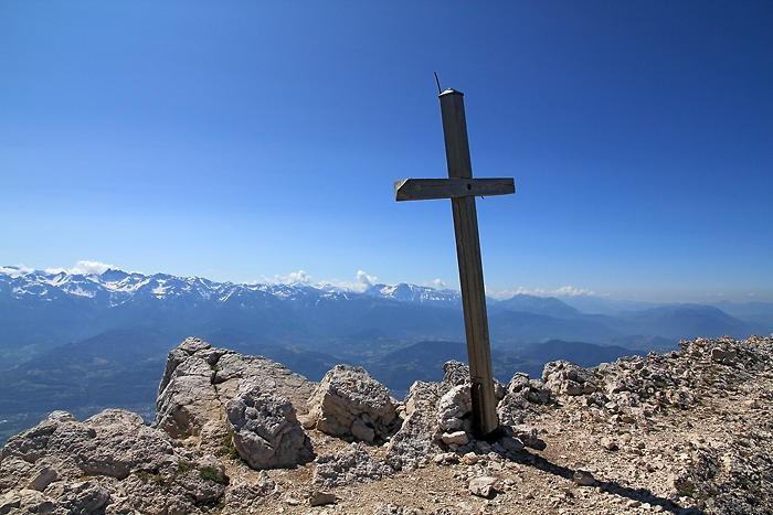 Croix au sommet de Chamechaude