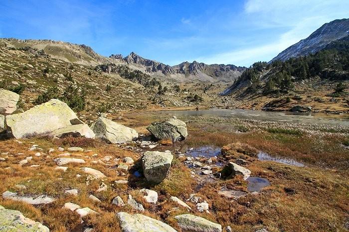 Lac d'Agalops dans le massif du Néouvielle