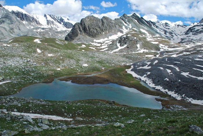 Le lac et le glacier du Marinet
