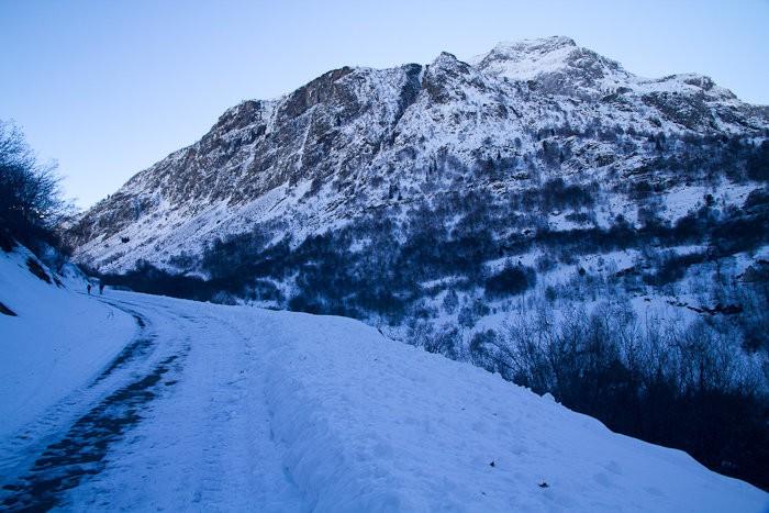 Randonnée raquettes : Randonnée dans la neige vers Héas
