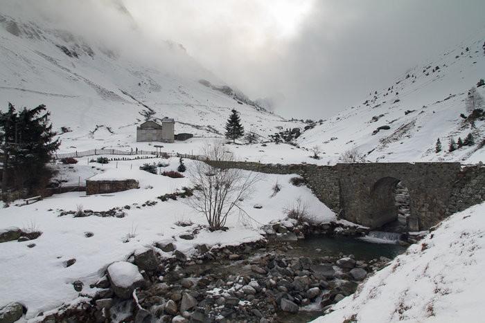 Raquettes à neige au pont de la Gaubie
