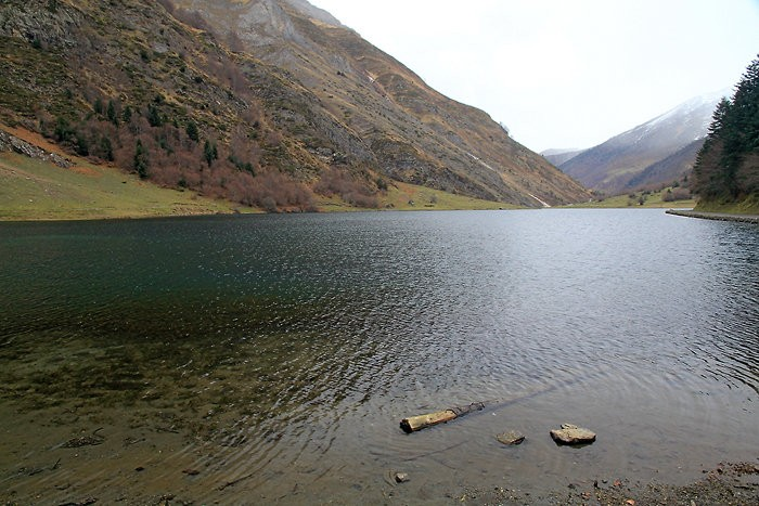 Temps gris au lac d'Estaing