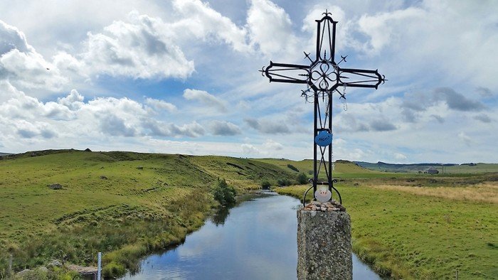 Croix devant le Bès