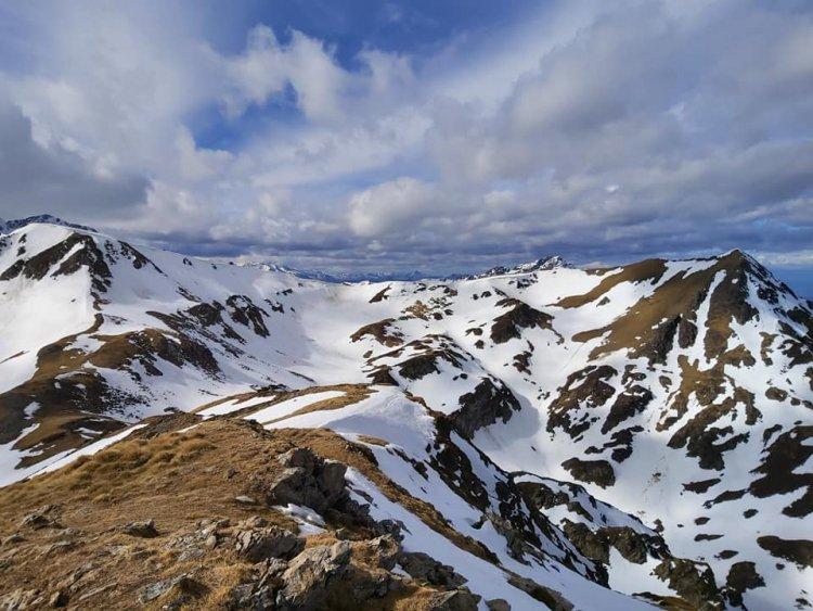 La Montagnette par le lac d'Aygue Rouye