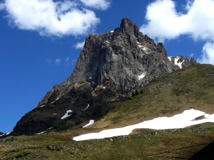 Pic du Midi d'Ossau depuis la Cabane de Peyreget