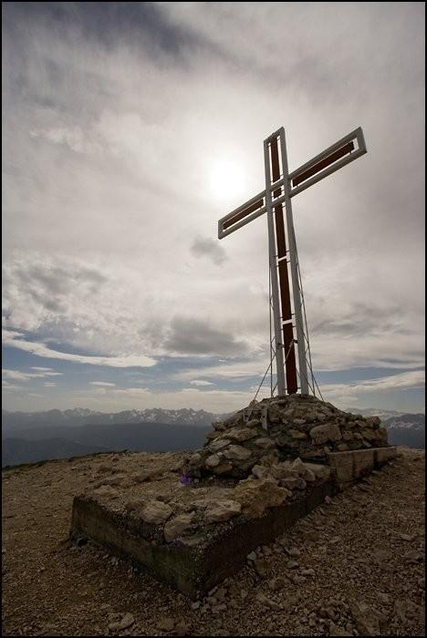 Croix au sommet de la Dent de Crolles