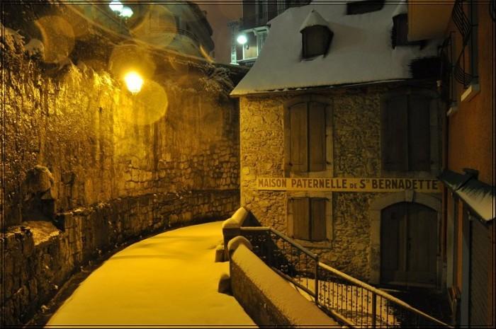 Dans Lourdes