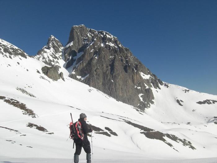 Tour du pic du Midi d'Ossau dans la neige
