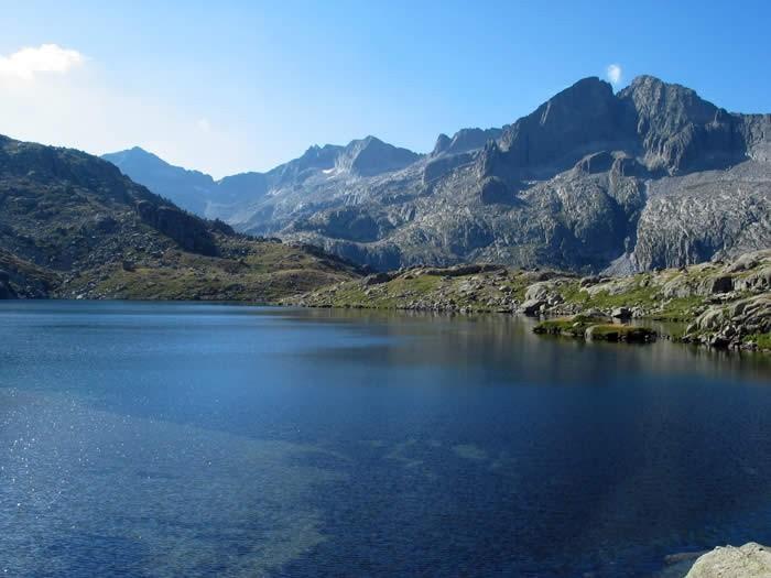 Trekking : Randonnée itinérante dans les Encantats