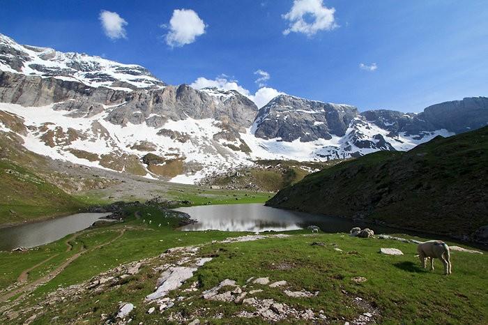 Lacs des Aires et cirque de Troumouse