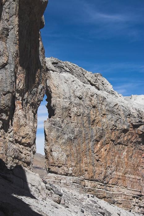Brèche de Roland en longeant  la paroie versant espagnol