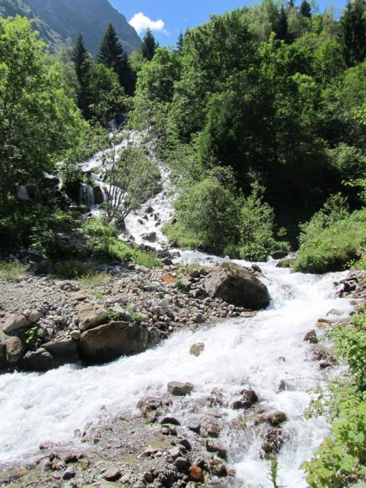 Ruisseau en montant au Lac de Lauvitel