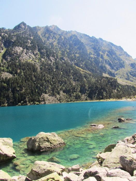 Belle couleur de l'eau au lac de Gaube