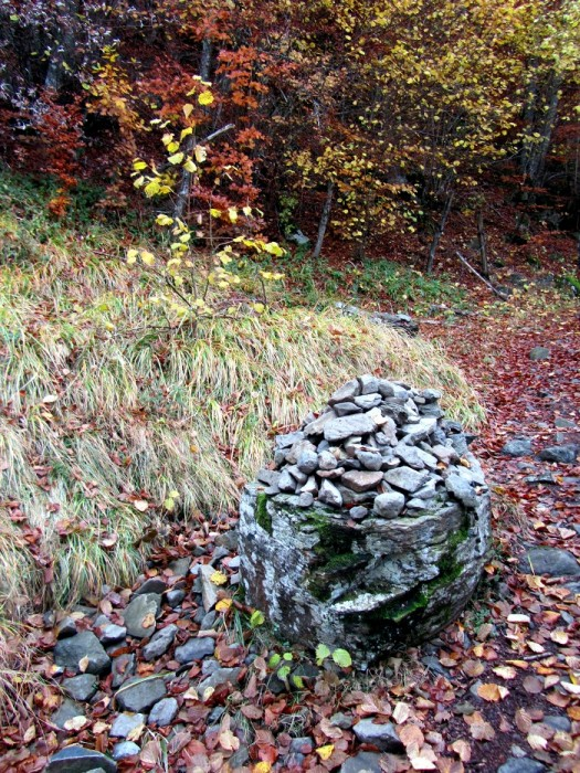 Cairn lors de la randonnée sur La Voie Romaine