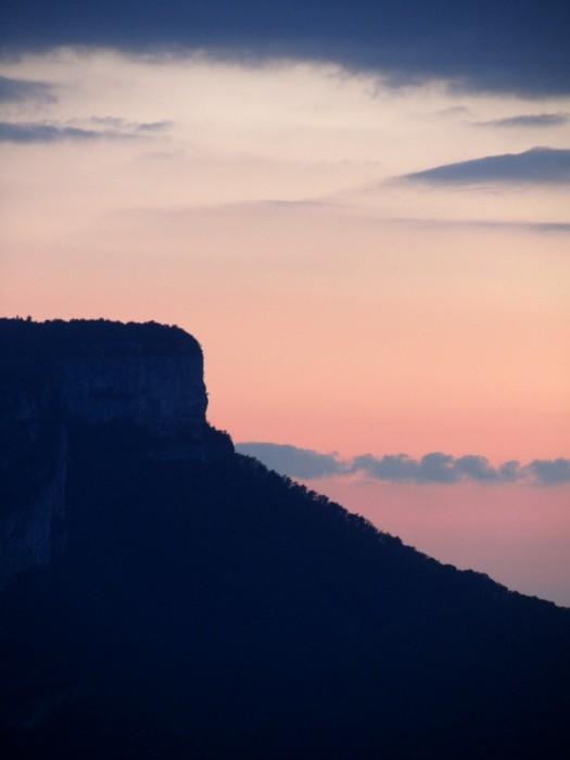 Randonnée à Grenoble, montagne au dessus de la ville, Alpes