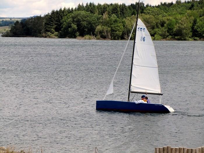 Voile au lac de Pareloup