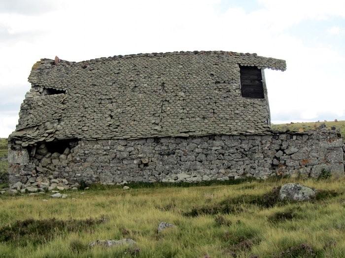 Buron en ruine sur l'Aubrac