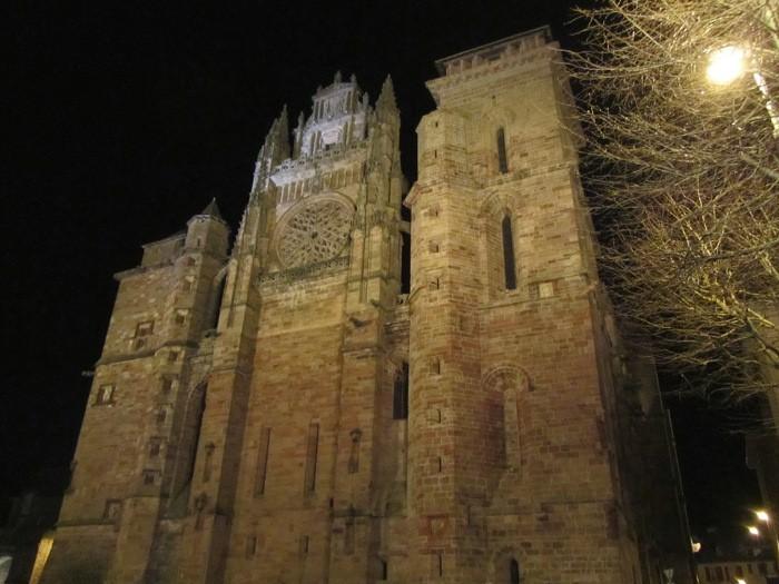 Cathédrale Notre Dame de Rodez la nuit