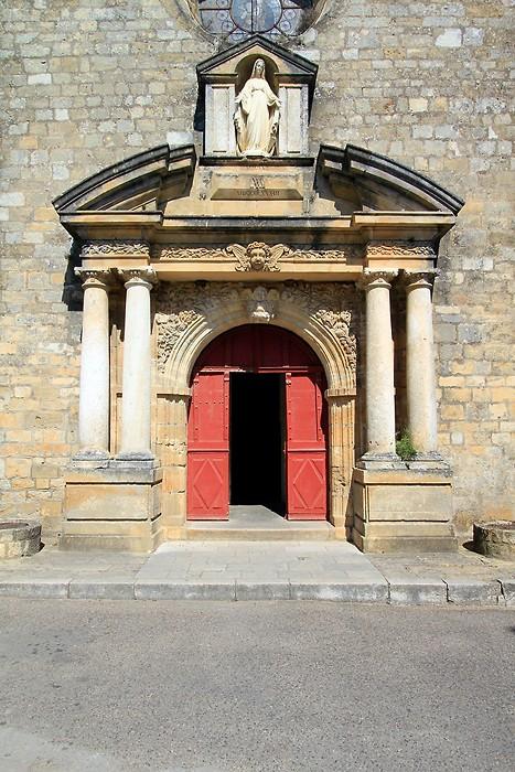 Porte de l'église de Domme