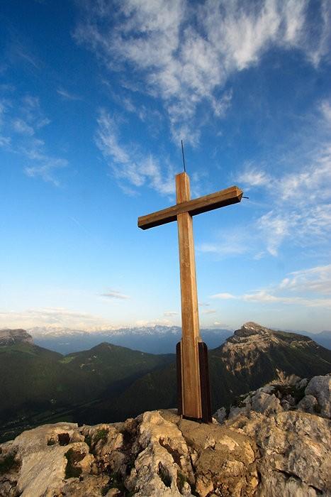 Croix au sommet du Chamant Som