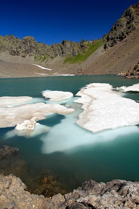 Randonnée au lac de l'Eychauda dans le massif des Ecrins