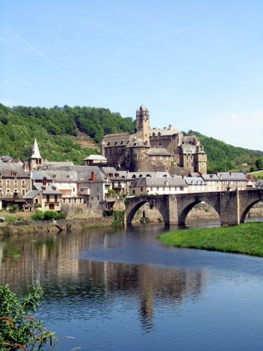 Estaing son chateau et son pont