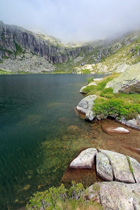 Lac de l'Embarrat dans les Pyrénées