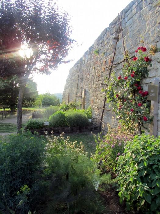 """Capdenac le Haut, le """"Jardin des Cinq Sens"""""""