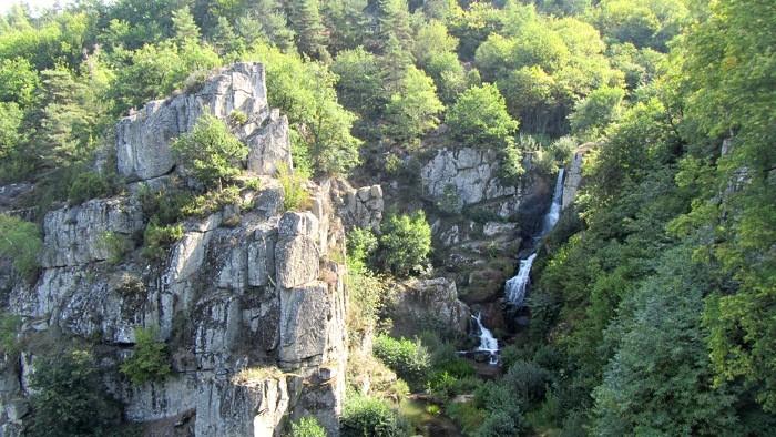 La cascade du saut du chien, Viadène, randonnée pédestre