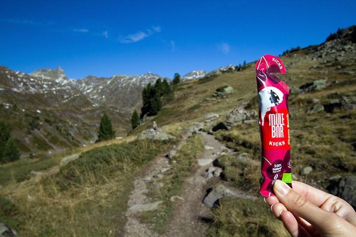 MuleBar Cherry Bomb en rando dans les Alpes au Lac Long