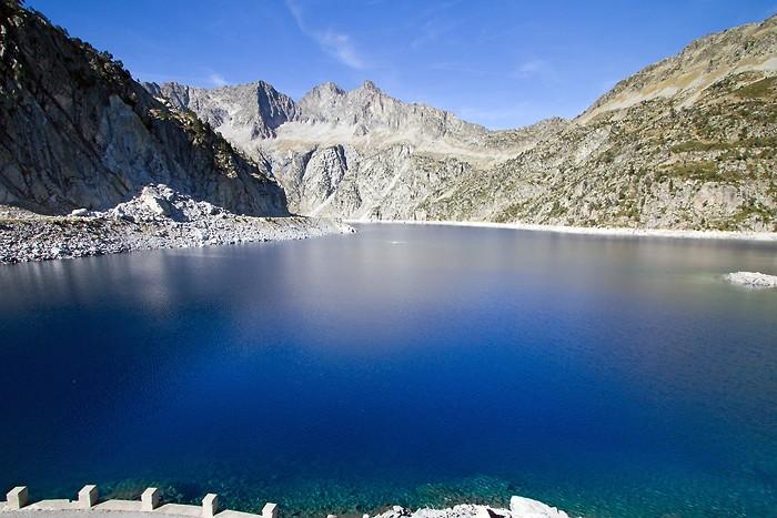 Lac de Cap de Long dans les Pyrénées