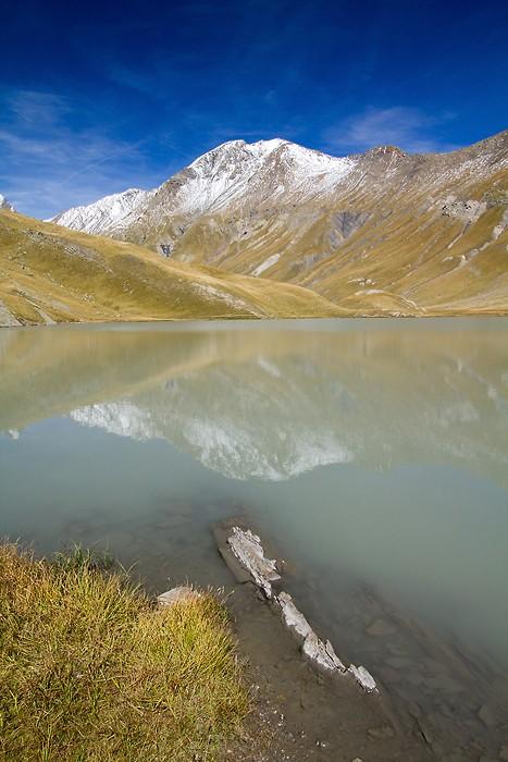 Lac du Goléon dans les Alpes