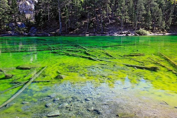Lac Vert dans les Hautes-Alpes (Lago Verde)