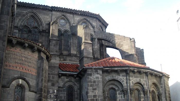 Eglise dans le centre de Riom