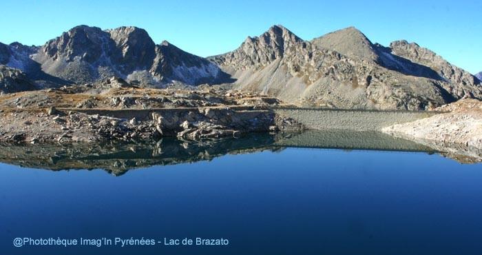 Reflet dans le lac de Brazato