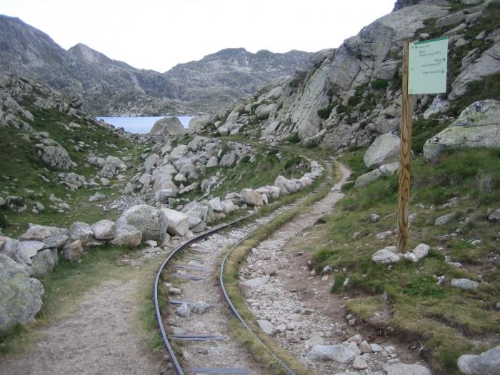 Estany Tort et ancienne voie ferrée