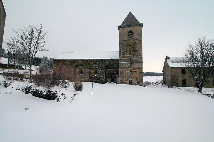 Dômerie d'Aubrac sous la neige