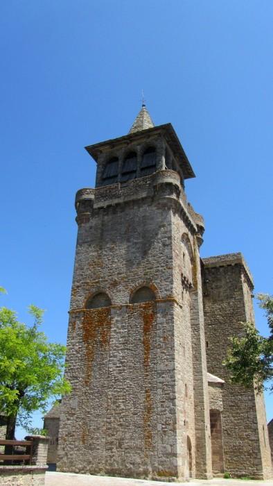 Beau temps sur Sainte Radegonde et son église