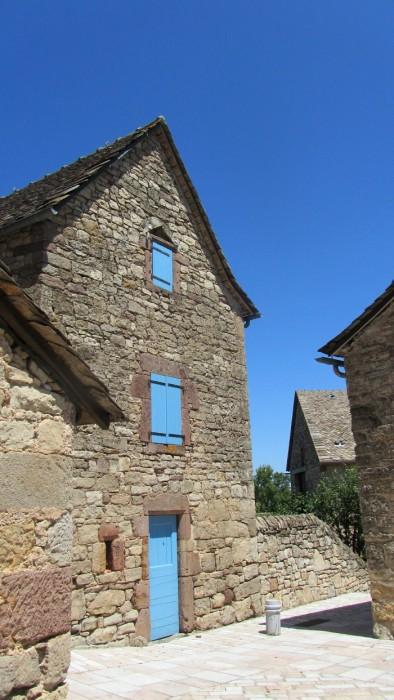 Dans les ruelles de Sainte Radegonde, beau village Aveyronnais