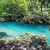 La couleur de l'eau est magnifique