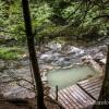 Source d'eau chaude sur la randonnée