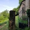 La portail de la chapelle
