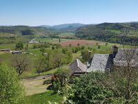 La vallée du Lot et au loin le château