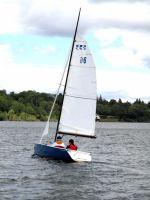Activités outdoor : Voile et dériveur 420 sur le lac de Pareloup en Aveyron