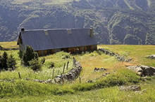 Une des granges sur le plateau de Saugué