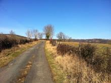 Le PR passe par de petites routes campagnardes Aveyronnaises