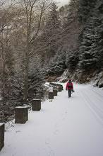 Montée dans la neige vers le lac de l'Oule